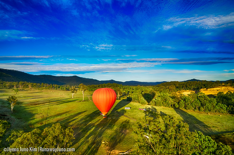 Hot Air Gold Coast - getting ready to float