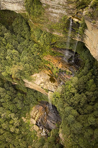 Waterfall, from the skycar Jamison Valley Katoomba - NSW Australia - 6 Oct 2005