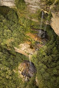 Waterfall, from the skycar Jamison Valley Katoomba - NSW Australia - 6 Oct 2005
