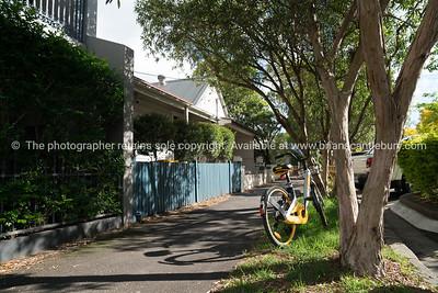Sydney street with yellow bike