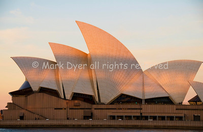 Sydney Opera House, Bridge shadow