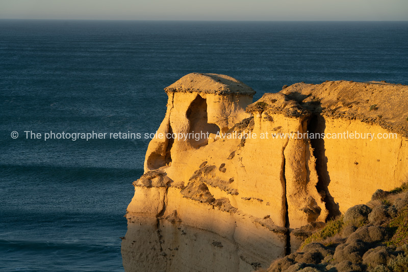 The Twelve Apostles lookout with strange hut-like structure.