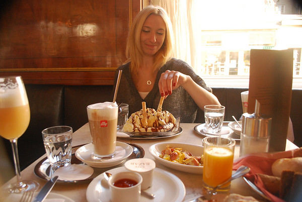 Christine and the banana split breakfast