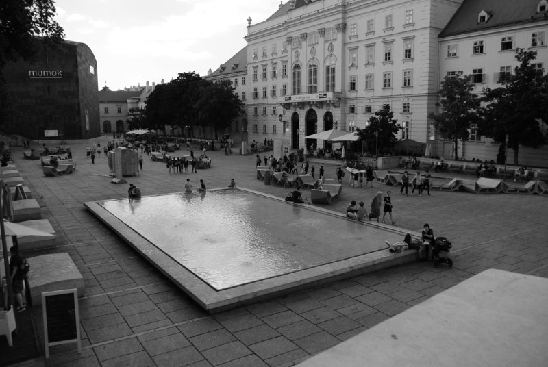 Vienna: Chill room for everyone else at Museum Quarter