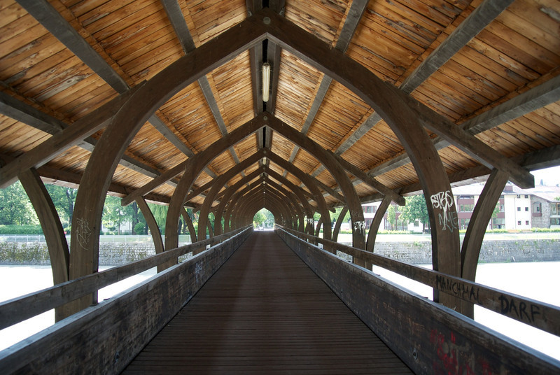 Innsbruck: Covered bridge over Inns