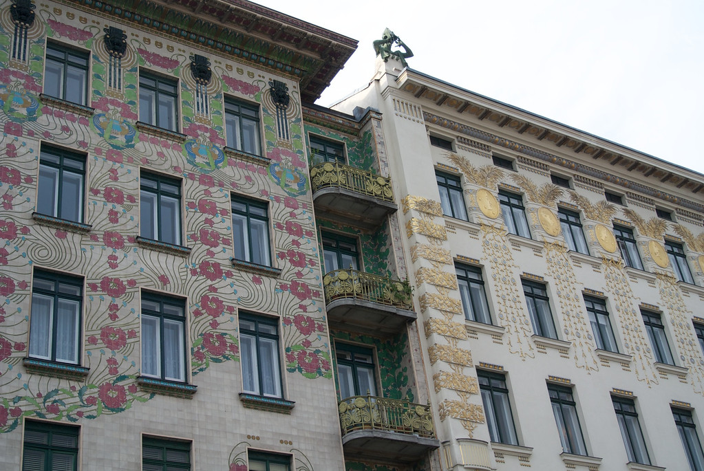 Vienna: Otto Wagner apartment buildings, side by side
