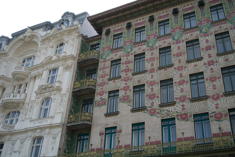 Vienna: Left, old Vienna. Right, new Vienna (Otto Wagner, ca. 1900)