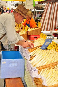 Spargel (white asparagus) for sale at Open Air Market in Salzburg, Austria 4.13