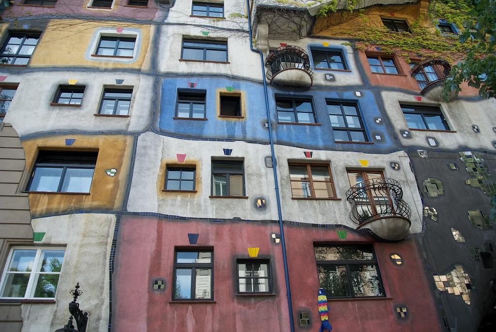 Vienna: Hundertwasser Haus (private apartments), 2012
