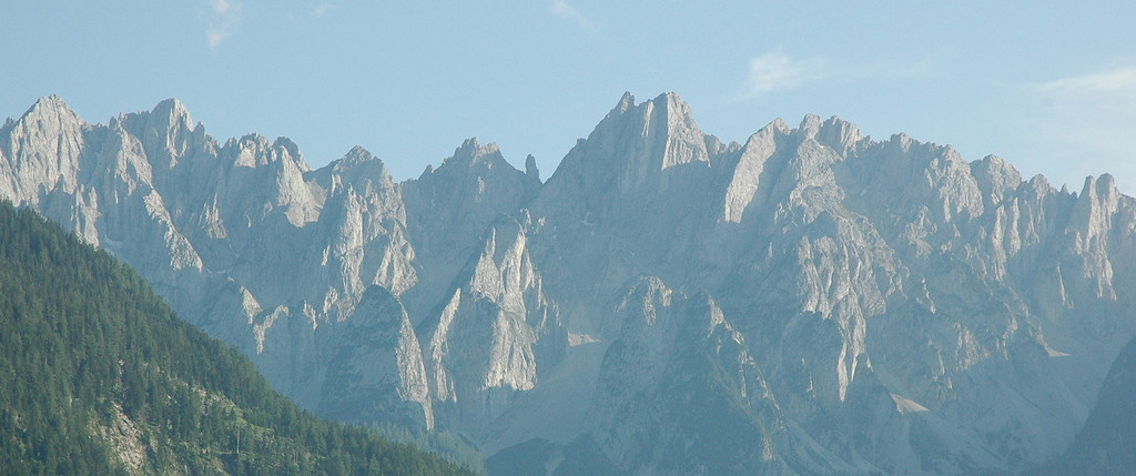 Bitchin formations as seen from Abtenau