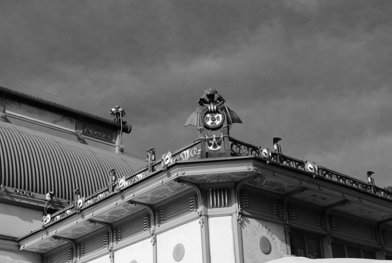 Vienna: Karlsplatz station detail, 2012