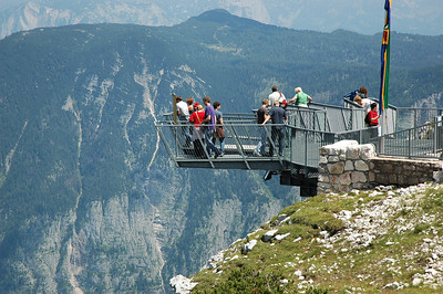 The 5 Fingers viewing platform above Hallstätter See.