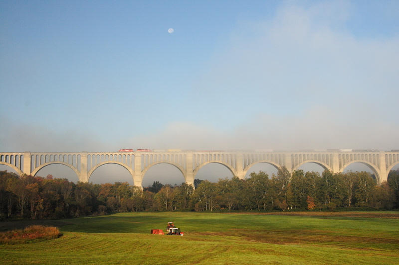 Canadian Pacific freight crosses the Tunkhannock Viaduct in the early morning mist.
