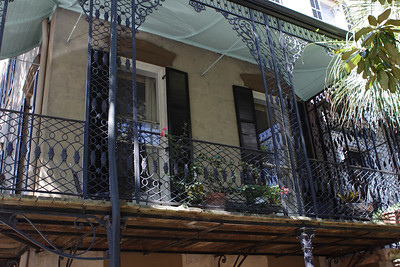 This is the home of Lee Adler, nationally recognized preservationist and next-door neighbor to Jim Williams, himself a restorer of antique homes and furniture.  The Adlers are still listed in the Savannah white pages, including phone number.  See _Midnight in the Garden of Good and Evil_ for the whole Adler story.  © Shams Tarek (www.shamstarek.com)