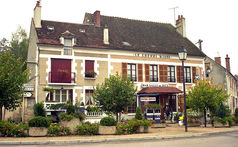 Mailly Le Ville -  Le Cheval Blanc