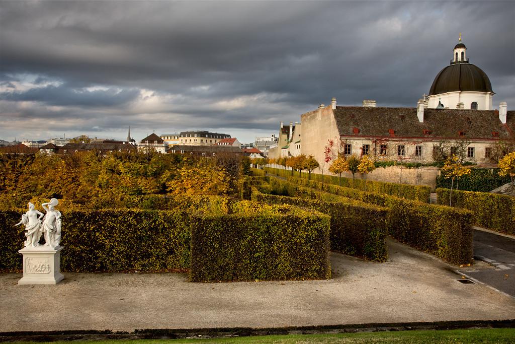 Immaculate Hedging, Belvedere Garden