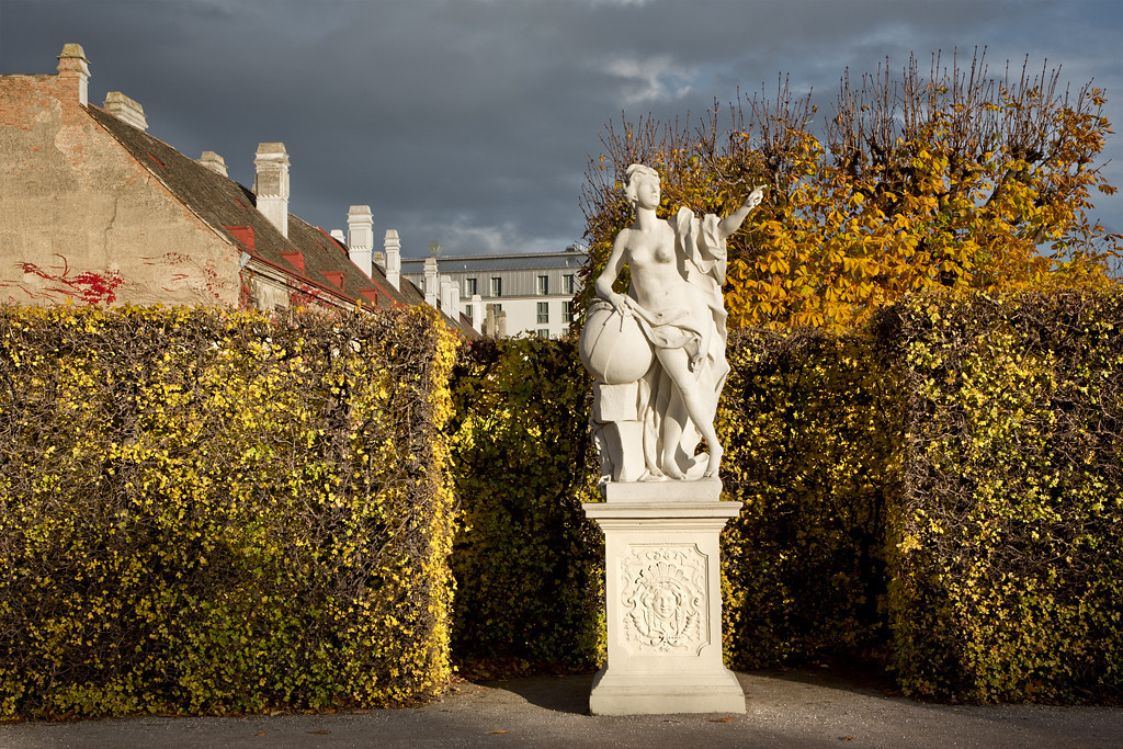 Statue, Avenue of the Eight Muses, Belvedere Garden
