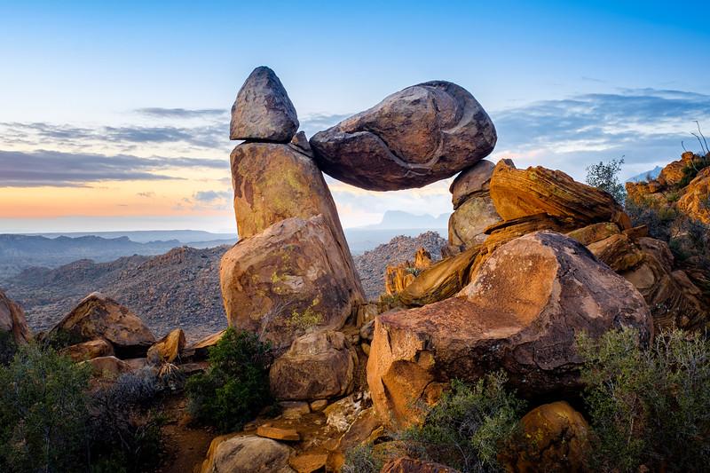 """BALANCED ROCK"" - GRAPEVINE HILLS"