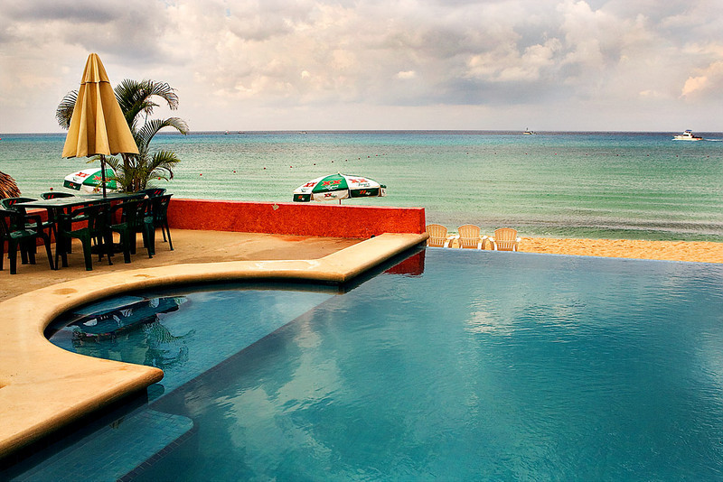 """INFINITY"" POOL OVERLOOKING  MR. SANCHO'S BEACH CLUB - COZUMEL"