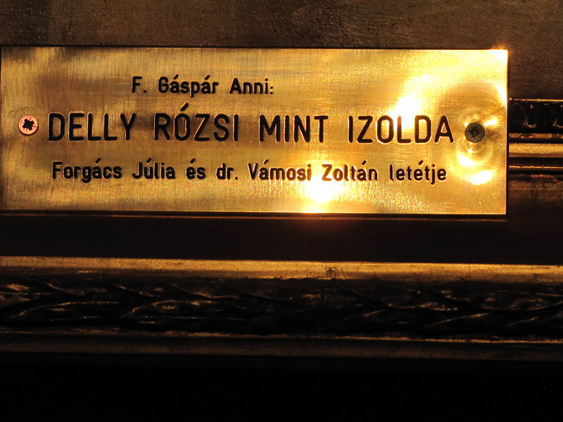 29-This identifies the upcoming portrait: Delly Rózsi (1912 – 2000) in Tristan and Izolda