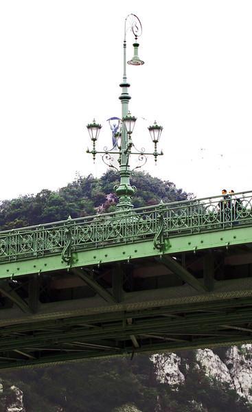 64-Liberty Bridge lamppost