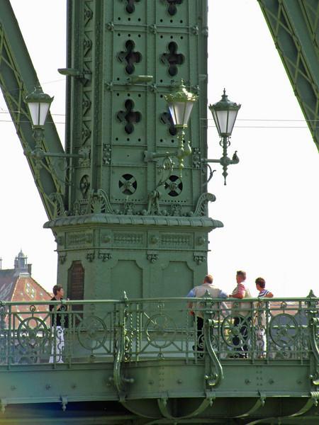 63-Liberty Bridge detail