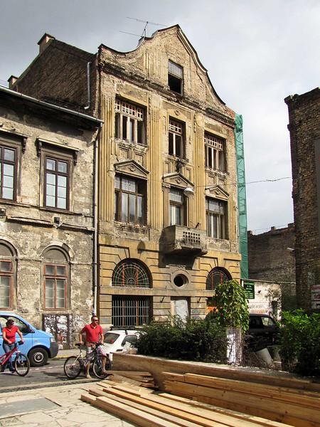40-Jewish Quarter. Building rehabilitation underway.