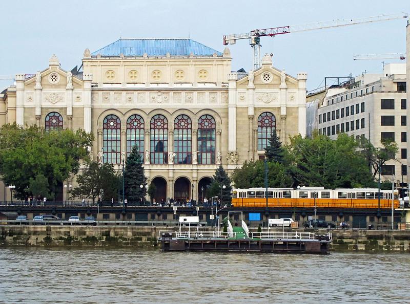 22-Pesti Vigadó (Concert Hall) and riverside tram