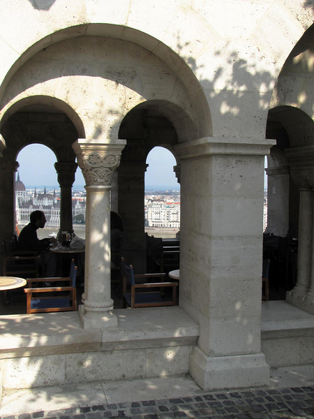 42-Diners at Fishermen's Bastion