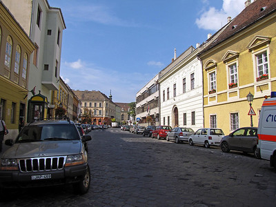 17-Tarnok Street, looking toward Trinity Square, the highest point of Castle Hill.