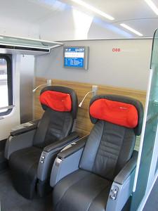 Railjet Premium class, 4-person compartments (facing seats).