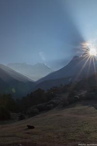 Sunrays over Ama Dablam