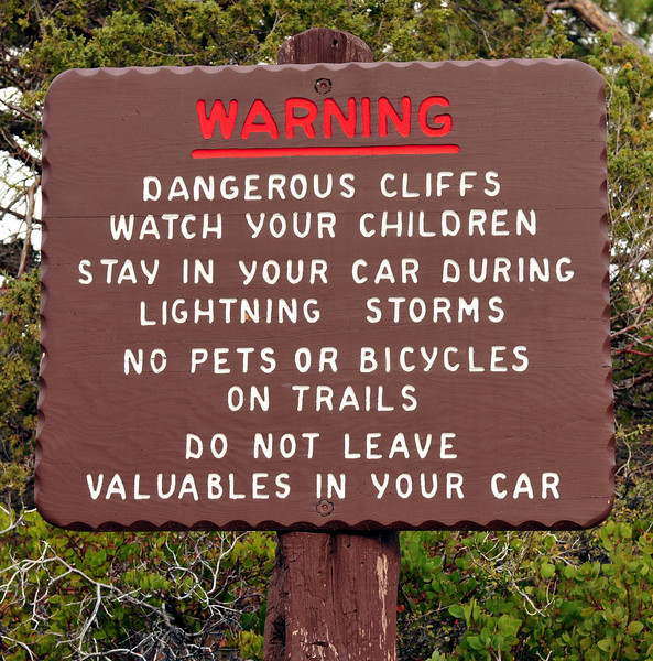 DSC_1040 warning bryce sign