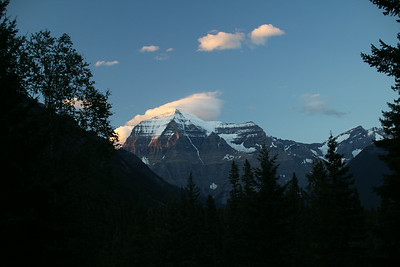Mt. Robson with alpenglow from Mount Robson Mountain River Lodge. http://mtrobson.com/