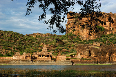 The Bhuthnath temple is in a spectacular setting - next to Agastya lake fed by the rain water harvested carefully throughout the region, and surrounded by hills and sandstone cliffs.