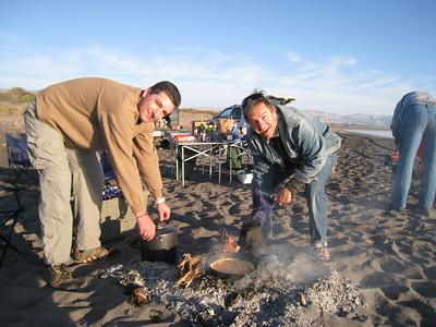 hier kochen die Männer...wo sind die Frauen?