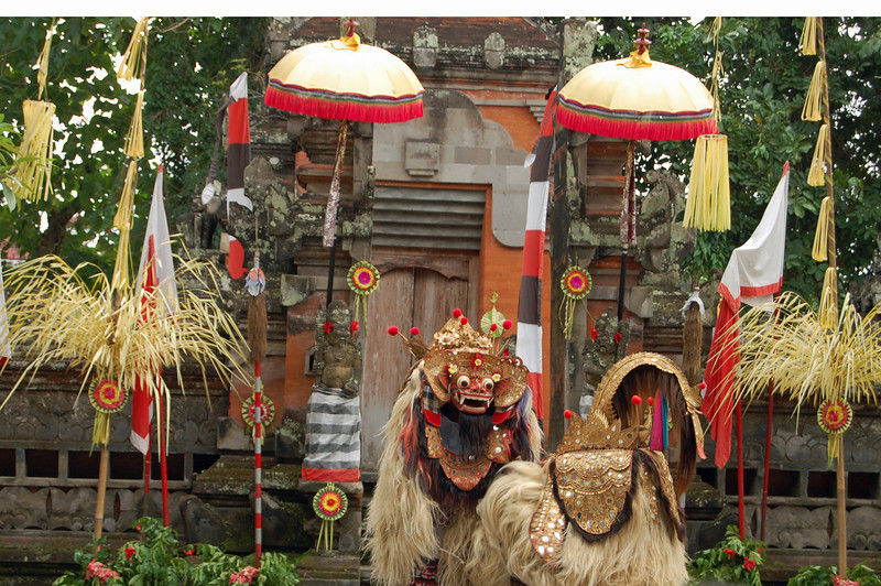 Tourist Day --- went to see the traditiona Barong & Kris Dance.  The never-ending scenario pitting good against evil.