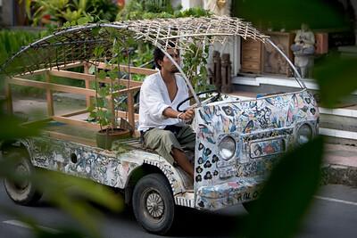 Bizarre cars in Ubud.