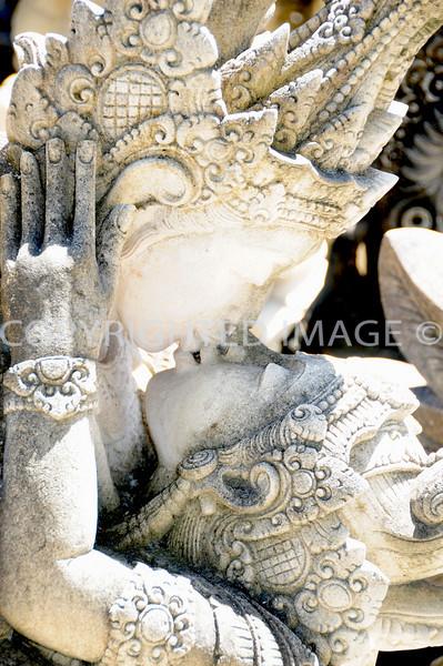 Romeo & Juliet (Bali) Sculpture
