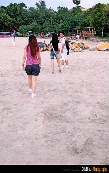 """and some of the """"informal"""" group shots here... on the beach... :""""P haha"""