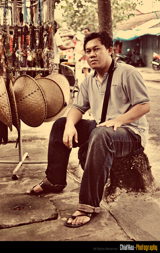 PUTU give me cool look in this shot.