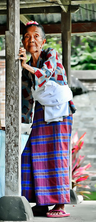 Wife+of+High+Priest-Bali+Indon-1180857859-O