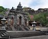 Temple-739343564-O