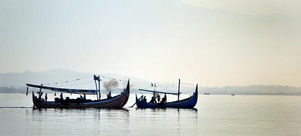 Lovina+boats+in+evening-734671260-O