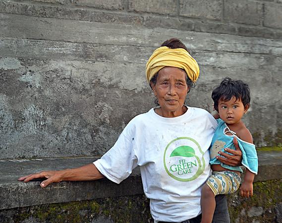 Balinese-baby+on+hip-734573314-O