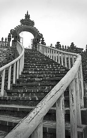 Kuan+Yin+stairs+to+ocean-740054850-O