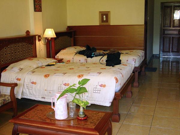 Hotel accommodation Bali Indonesia - 16 Apr 2006