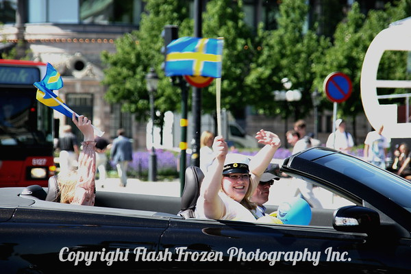We were there on Graduation Day...lots of students celebrating with horns honking and flags waving! A grab shot of a happy few girls!