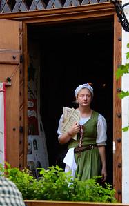 Waitresses at Olde Hansa
