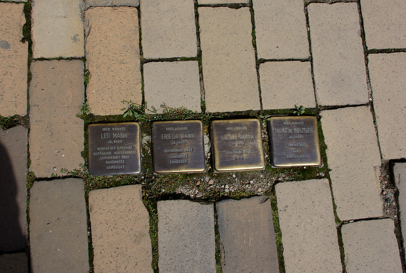 Markers for Holocaust victims